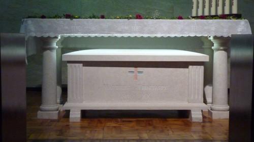 Urna que contiene los restos de los seis beatos mártires.