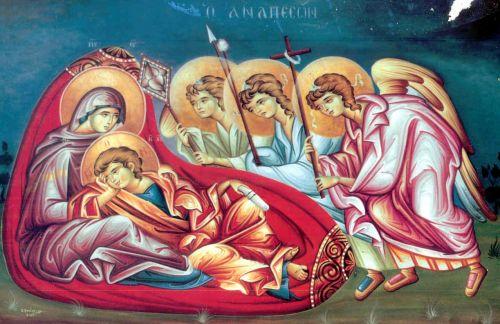 Los ángeles presentan los símbolos de la Pasión a Jesús Niño, reclinado en el regazo de María. Fresco ortodoxo griego.
