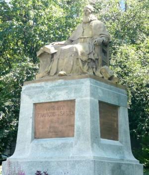 Monumento al santo en Annecy (Francia).