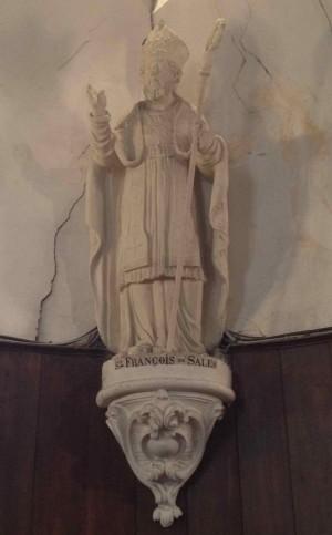Escultura del Santo en su atuendo episcopal.