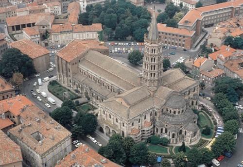 Basílica del Santo en Toulouse (Francia), hito del Camino de Santiago y joya del románico francés.