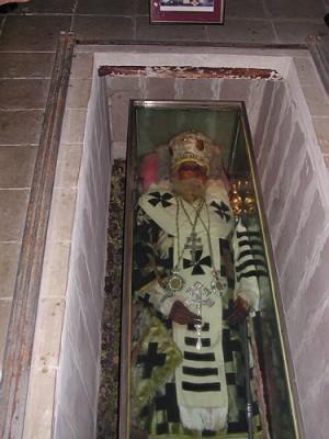 Sus restos mortales en la catedral greco-católica ucraniana de Lviv.