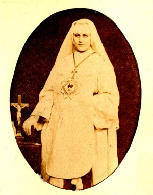 Fotografía de la Beata, revestida con el hábito del Instituto fundado por ella.