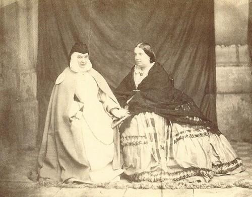 La madre Patrocinio y la reina Isabel II, en una de sus visitas.