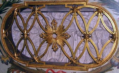 Sarcófago que contiene los restos del Santo. Basílica de San Pedro del Vaticano, Roma (Italia).