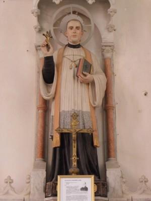 Escultura del Santo en la parroquia de Boucey, Francia.