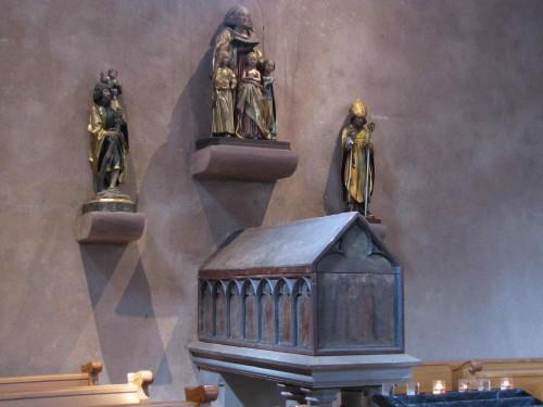 Arqueta con las reliquias de las Santas. Iglesia de San Trófimo de Eschau, Francia.