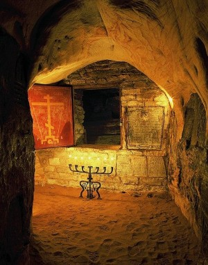Cuevas del monasterio Pskov (Rusia), donde son enterrados los monjes.