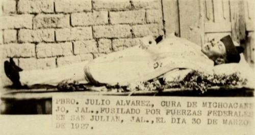 Fotografía del Santo difunto, durante el velatorio.