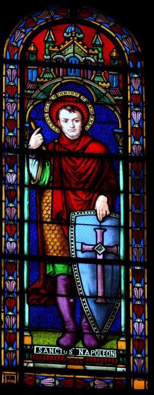 Vidriera del Santo -que nuevamente ostenta el retrato de Bonaparte- en la iglesia de San Luis de Vichy (Francia).