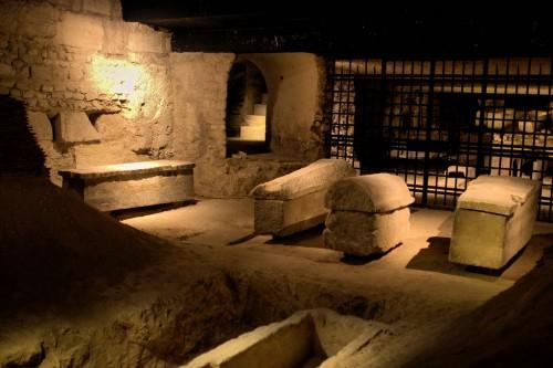 Cripta de la Basílica de Saint Denis, París (Francia).