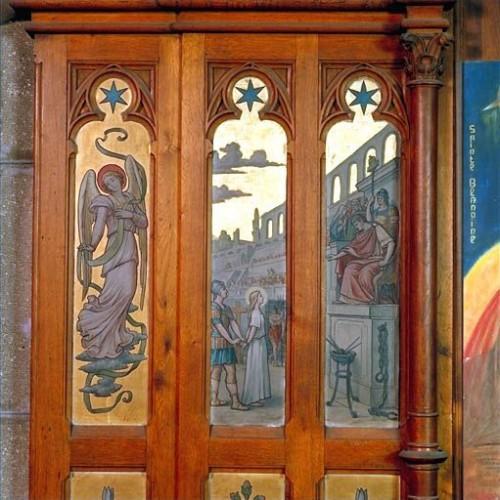 La esclava Blandina interrogada. Detalle del altar de la Santa en su parroquia de Lyon, Francia.