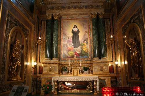 Altar-sepulcro de la Santa. Basílica de María Auxiliadora, Turín (Italia).