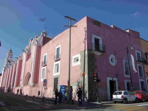 Templo del Exconvento de San Jerónimo con su Colegio anexo de Jesús María, Cdad. de Puebla,  México.