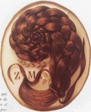 Relicario con el cabello de la Beata Celia Guérin.