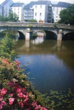 Puente de San Leonardo en Alençon, donde se conocieron los Beatos.