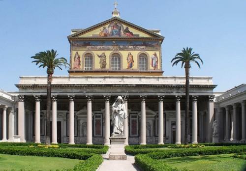 Fachada de la Basílica de San Paolo fuori le Mura, Roma (Italia).