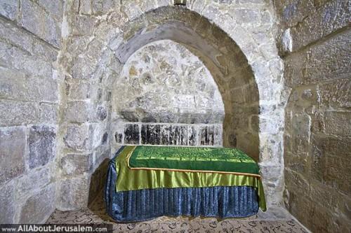 Presunta tumba de Santa Pelagia en el Monte de los Olivos, Jerusalén (Israel). Fuente: www.allaboutjerusalem.com