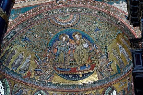 La Virgen coronada, de Jacopo Torriti (1296). Ábside de Santa María la Mayor, Roma (Italia).