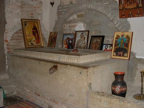 Sepulcro de San David en su monasterio de Garedja, Georgia.