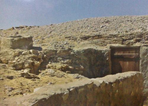 Cueva habitada por San Macario.