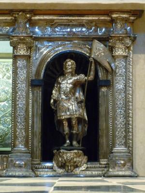 Detalle del Santo en su sepulcro de la catedral de Bérgamo, Italia.