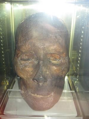 Relicario del cráneo del Santo en Drogheda, Irlanda.