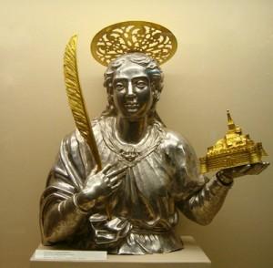 Busto de la Santa portando la maqueta de la ciudad de Atri, de donde es patrona. Museo de la catedral de Atri, Italia.