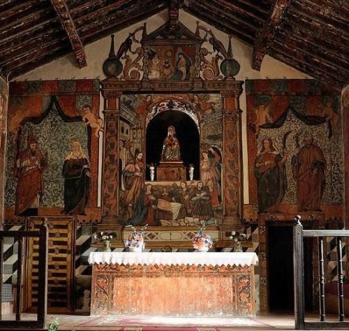Presbiterio de la ermita.