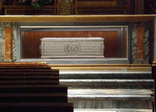 Urna-relicario del Cardenal Sancha. Capilla de San Pedro, Catedral de Toledo, España. Fotografía: David Garrido.