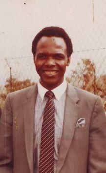 Fotografía del Siervo de Dios Tshimangadzo Samuel Benedicto Daswa.
