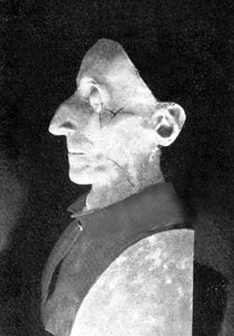 Mascarilla mortuoria del Santo, que reproduce con fidelidad sus rasgos.