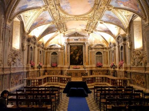 Cripta de la catedral de Gaeta (Italia). En el altar estaban los restos de la Santa junto a otros compañeros. Fotografía: Louise Shapcott.
