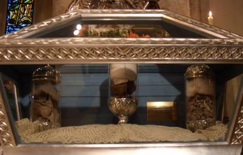 Reliquias de San Pardo en la catedral de Larino, Italia.