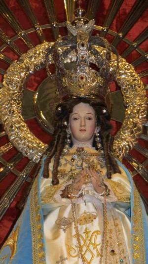 Detalle del busto de Nuestra Señora del Milagro de Salta, Argentina.