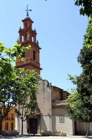 Vista del templo parroquial de Campanar, Valencia.