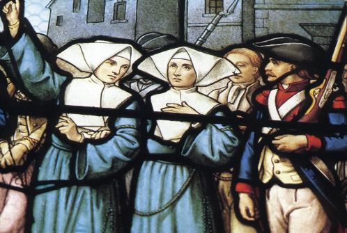 Detalle de las dos Beatas en una vidriera decimonónica francesa.
