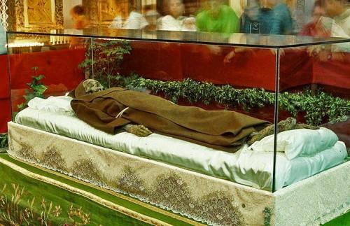 Cuerpo incorrupto del santo. Noto (Siracusa), Italia.