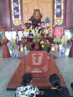 Tumba de siervo de Dios Francisco Javier Truong Buu Diêp.