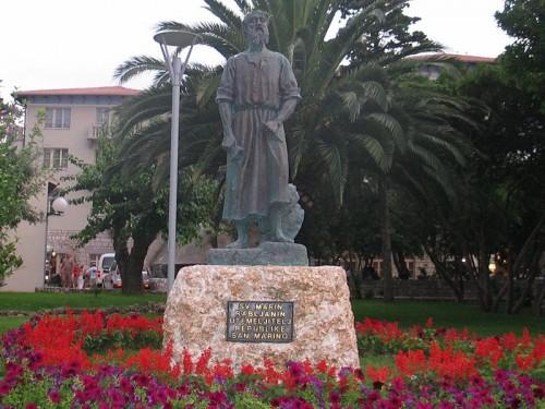 Monumento a San Marino en la República homónima.