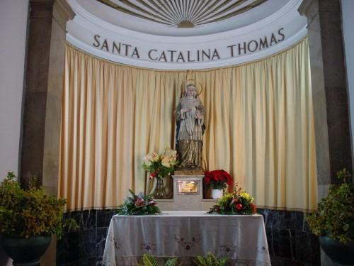 Capilla de la Santa en su casa natal. Calle de la Rectoría, Valldemossa, Mallorca (España).