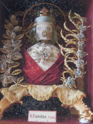 Detalle de las reliquias de Santa Fausta.