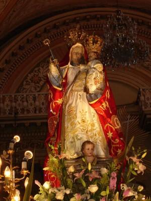 Nuestra Señora de Guanajuato como luce revestida con ropa.