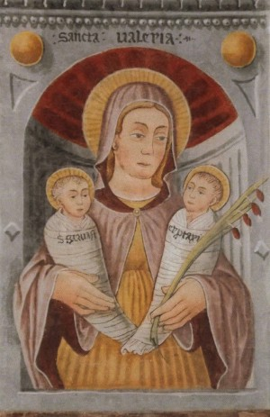 Fresco de Santa Valeria sosteniendo a Gervasio y Protasio en brazos. Iglesia de Morinico al Serio, Bérgamo (Italia).