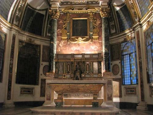 Sepulcro del Santo en la capilla del Palacio Altemps, Roma (Italia).