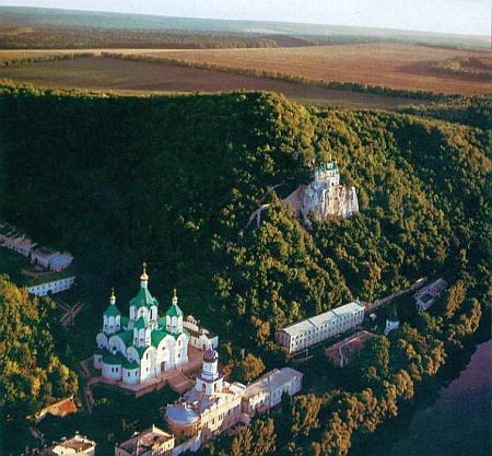 Vista del complejo monástico Svyatogorsky.