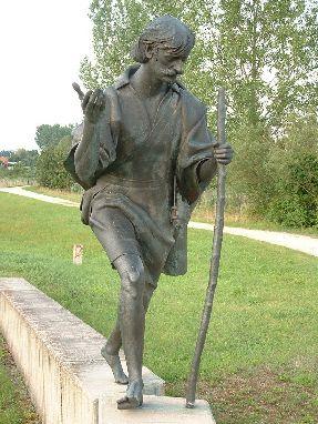 El Santo como peregrino. Escultura moderna en Altmühltal (Alemania).