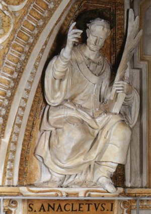 Detalle de San Anacleto en la Basílica de San Pedro del Vaticano, Roma (Italia).
