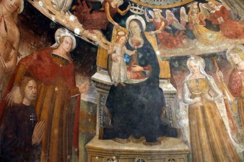 La Santa presenta a Gabriele De Salis ante la Virgen María. Capilla-baptisterio del castillo de Santa Severa, Italia.