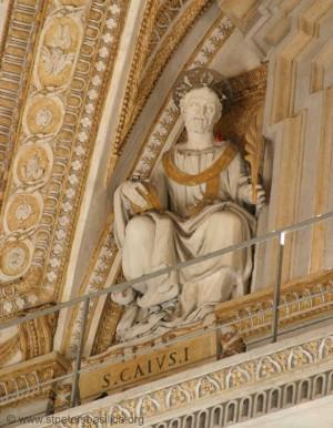 Escultura de San Cayo Papa. Basílica de San Pedro del Vaticano, Roma (Italia). Fuente: stpetersbasilica.org